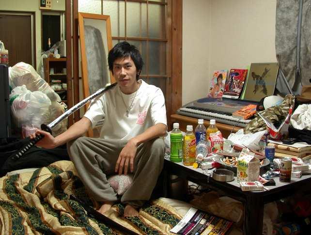 FrancescoJodice_Hikikomori_2004.jpg